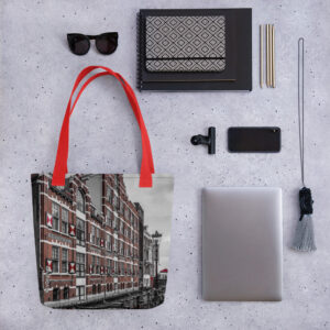 A spacious and trendy tote bag with #cvoriginals Amsterdam print from the #superholland collection to help you carry around everything that matters.