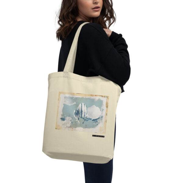 Say goodbye to plastic, bag your goodies in this eco tote bag. There's more than enough room for groceries, books, and anything in between